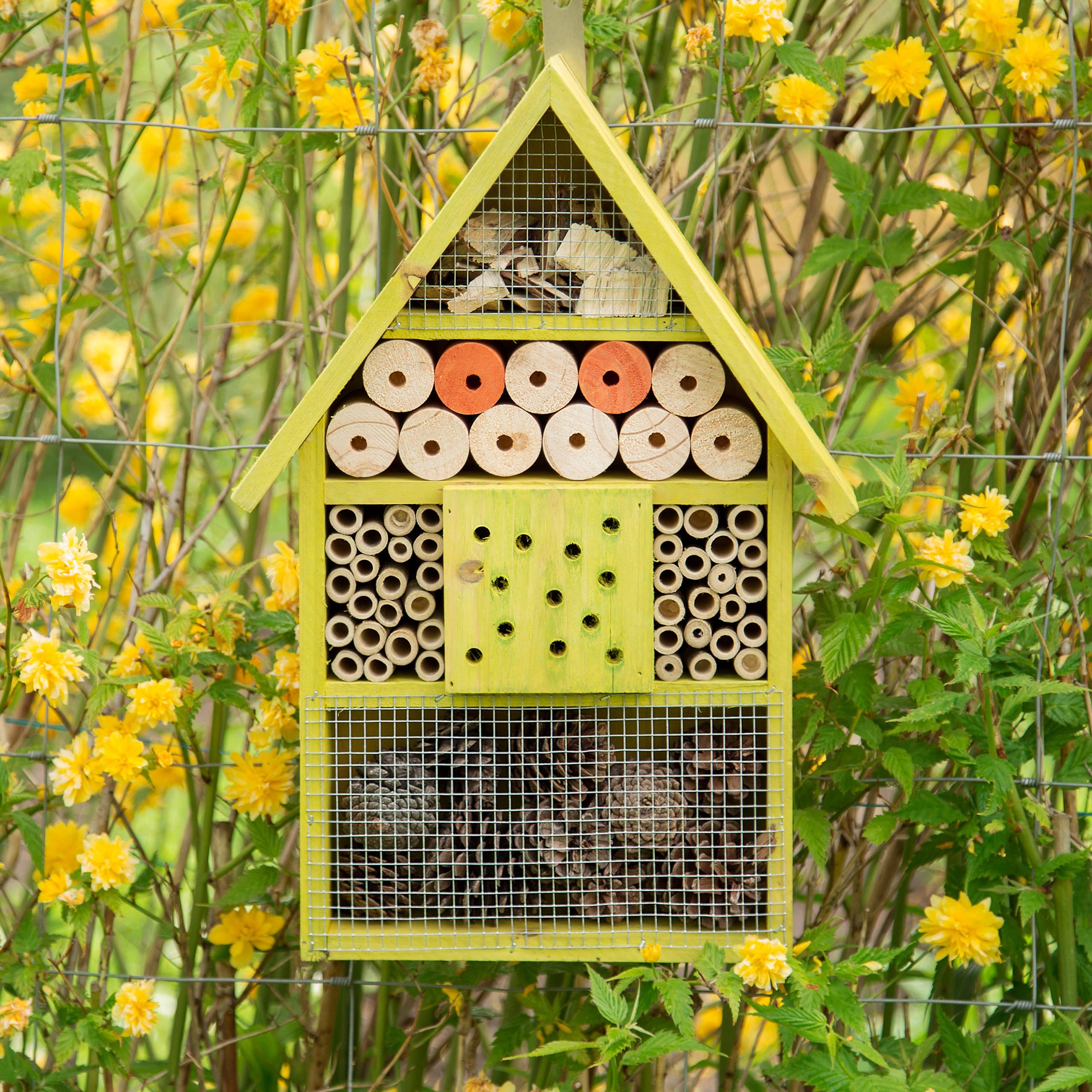 Insektenhotel 2 Farbvarianten Bienenhaus Käfer Überwinterungshilfe Insektenhaus