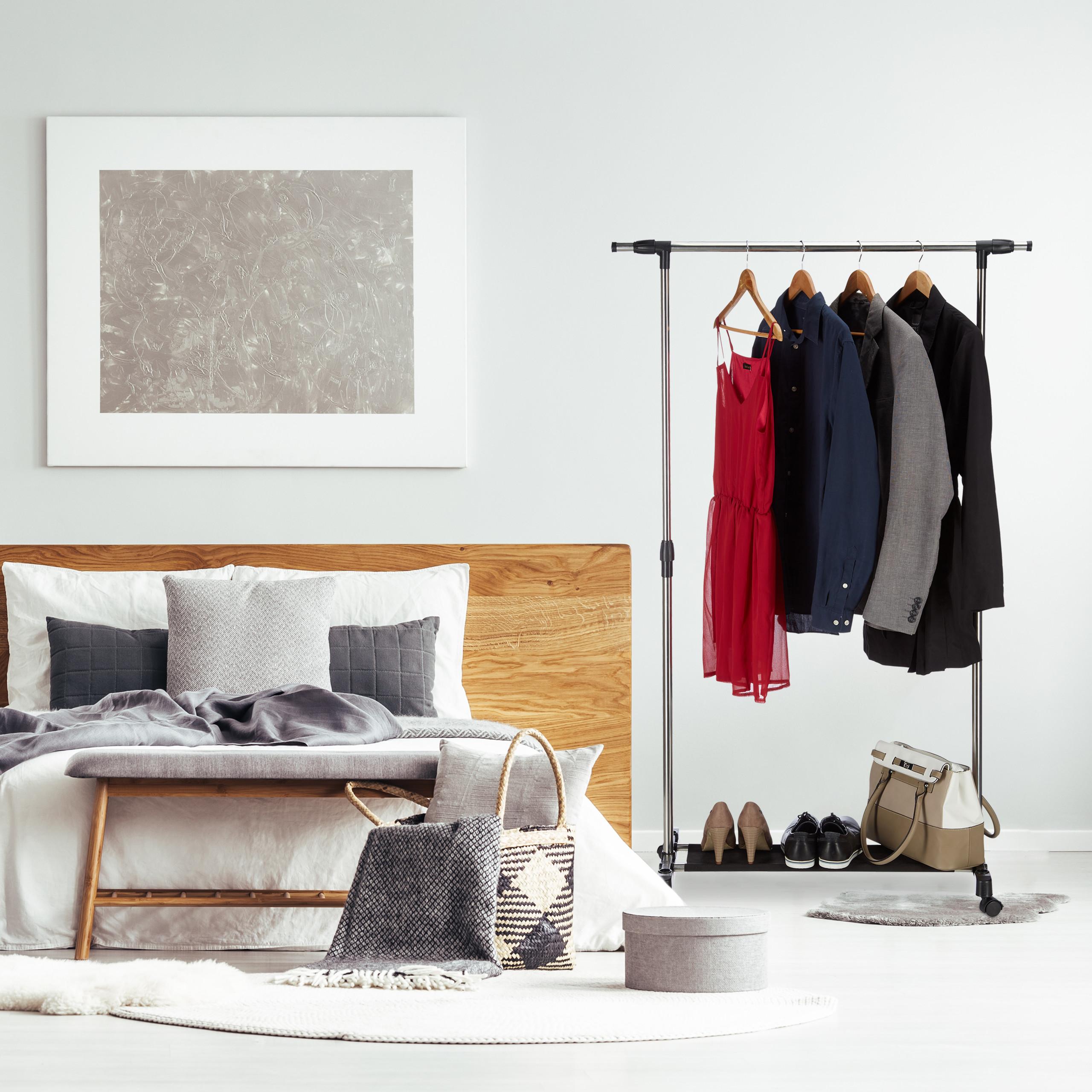 kleiderst nder auf rollen kleiderstange h henverstellbar. Black Bedroom Furniture Sets. Home Design Ideas