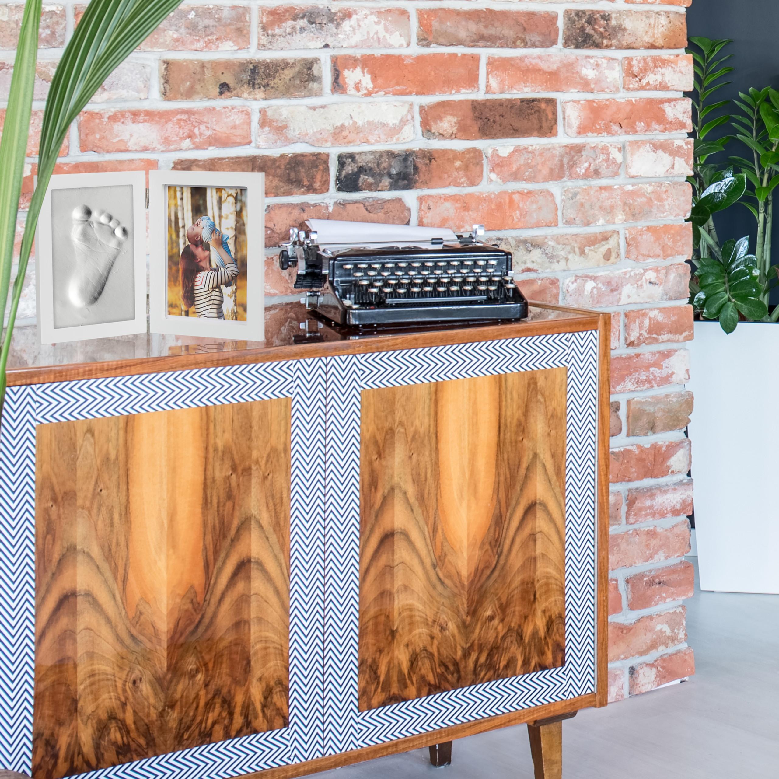 bilderrahmen mit gipsabdruck baby handabdruck set. Black Bedroom Furniture Sets. Home Design Ideas