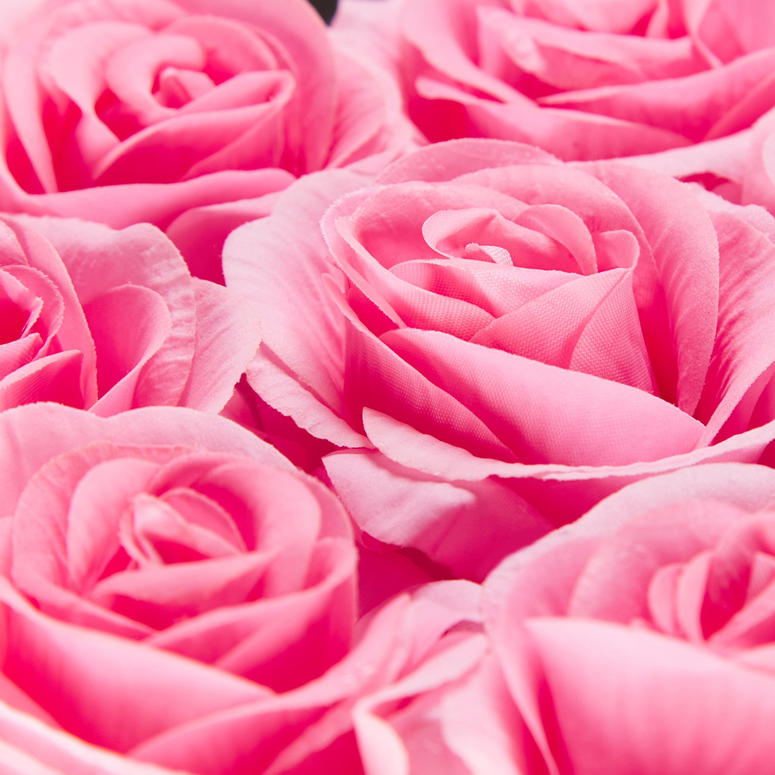 Rosenbox-Flowerbox-49-Kunstblumen-Valentinstag-Blumenbox-Deko-Ewige-Rosen-eckig Indexbild 8