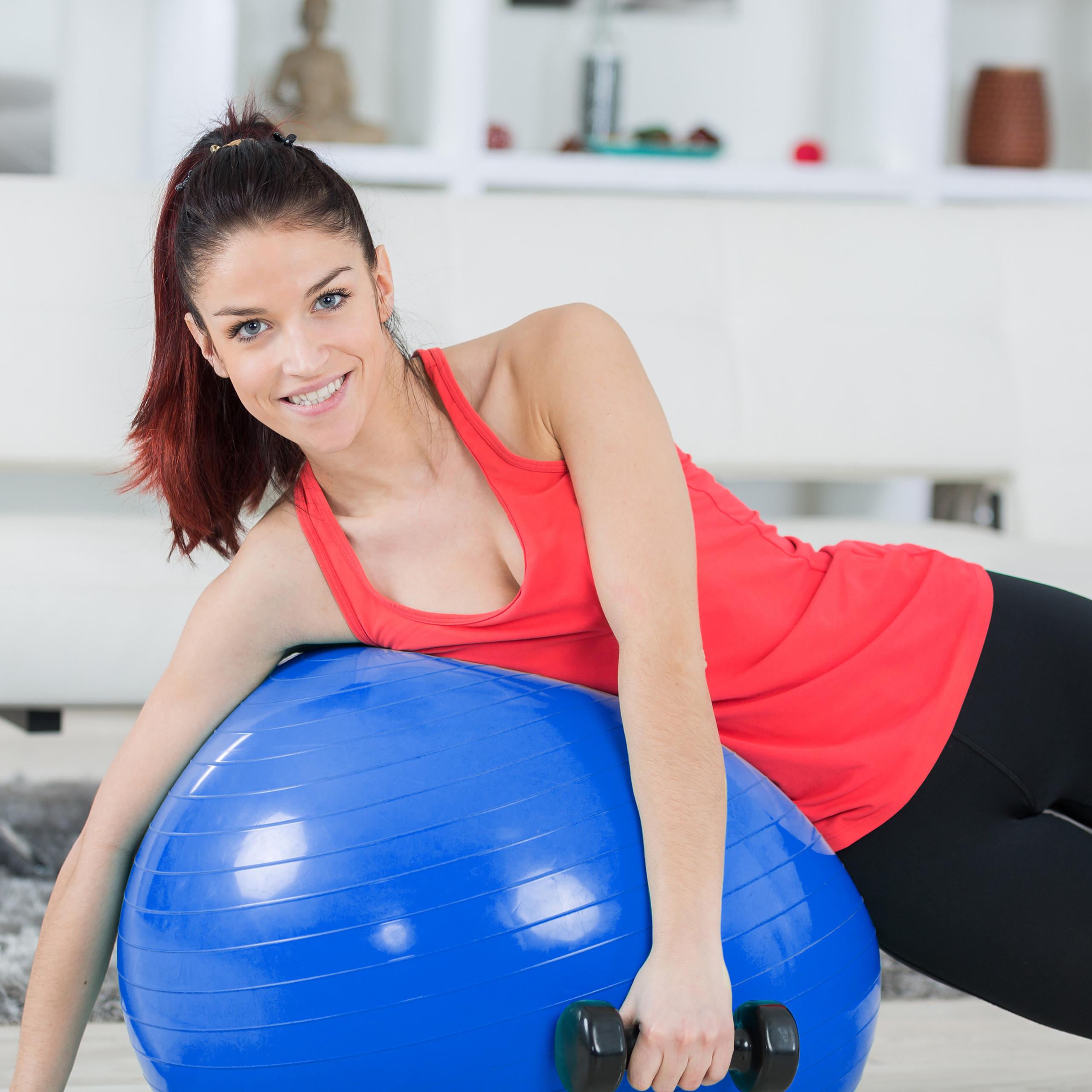 Exercise-Ball-75-cm-PVC-Yoga-Ball-Office-Seat-Gym-Ball-Pilates thumbnail 8